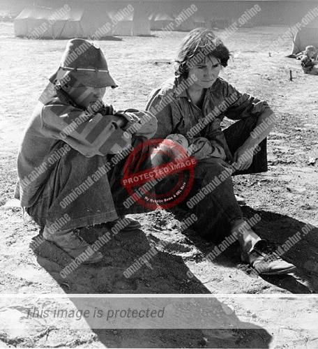 Young Oklahoma Mother stranded in Imperial Valley California (1937)