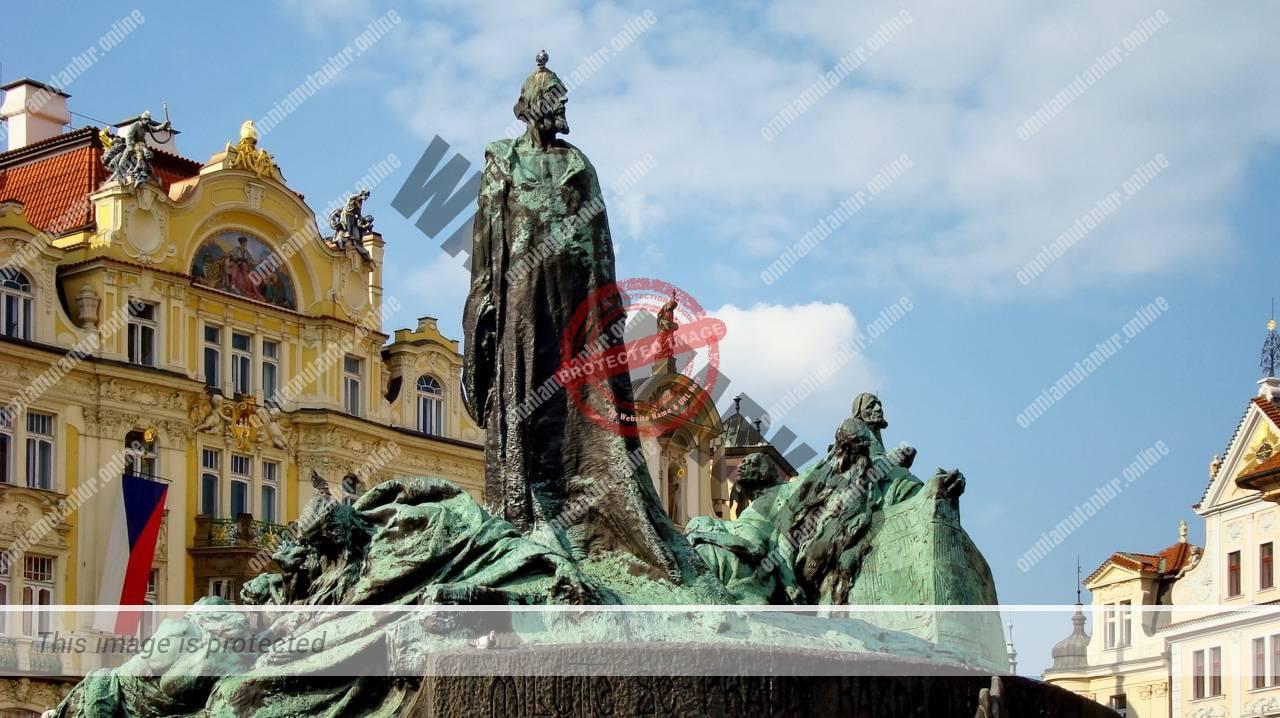 Hus Monument Prague