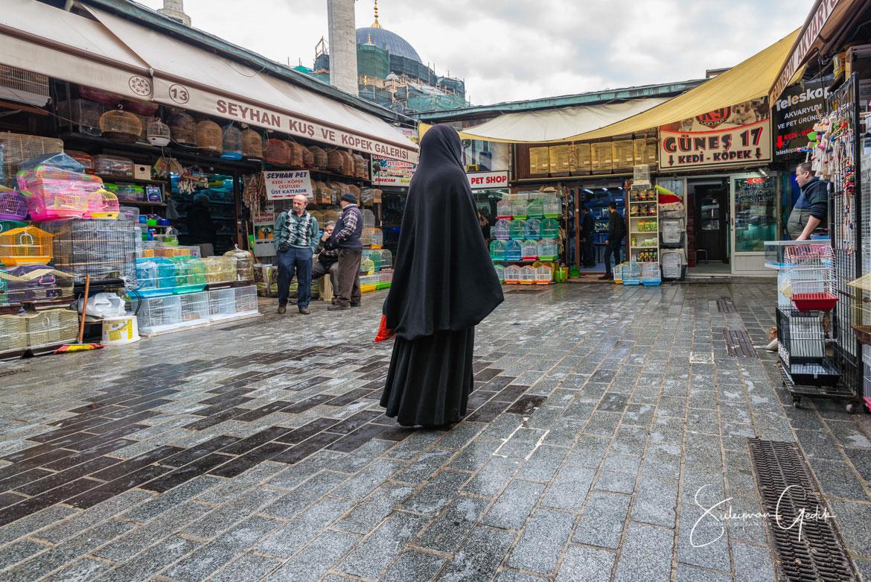 Eminönü Istanbul Turkey Street Woman Religious